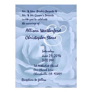 Azules claros elegantes subiós casando la invitaci