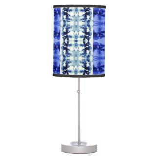 Azules del teñido anudado lámpara de mesilla de noche