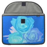 Azules imagen invertida tres rosas funda macbook pro