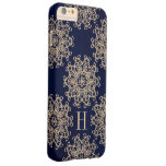 Azules marinos del monograma y medallón exótico funda de iPhone 6 plus barely there