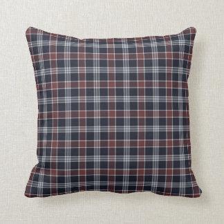 Azules marinos y almohada del cuadrado de tela