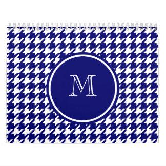 Azules marinos y blanco Houndstooth su monograma Calendario De Pared
