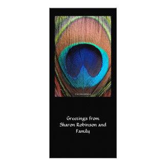 Azules ricos de la pluma macra del pavo real tarjeta publicitaria a todo color
