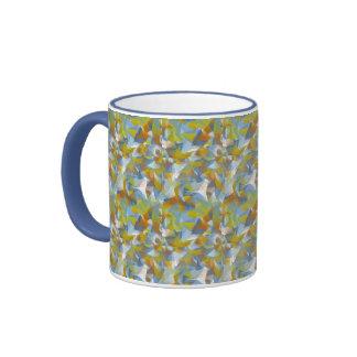 Azules suaves/verdes/formas que remolinan del taza de dos colores