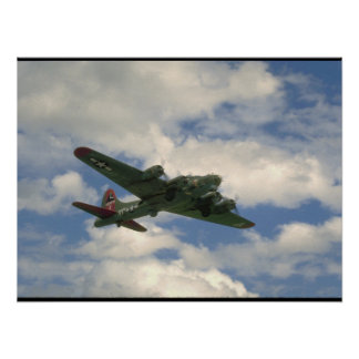 B17, Belly View. (plane;b17_WWII Planes Poster