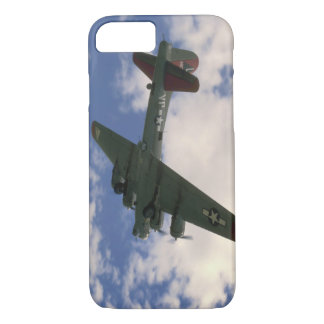 B17 Flying Overhead_WWII Planes iPhone 8/7 Case