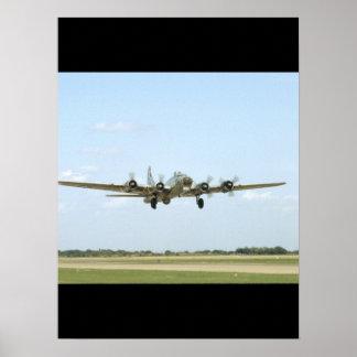 B17, Landing. (plane;b17_WWII Planes Poster