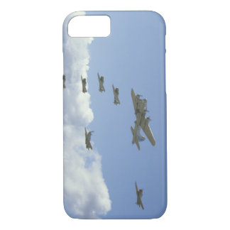 B17, Mustang, 5 T6's, In Formation_WWII Planes iPhone 8/7 Case