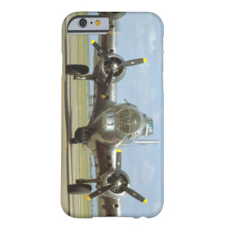 B17 On Runway, Frontal. (plane_WWII Planes Barely There iPhone 6 Case