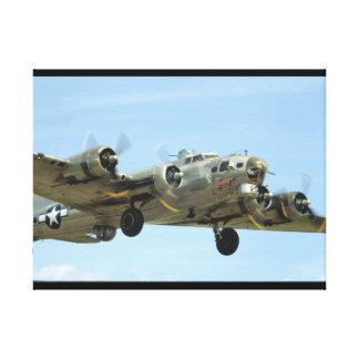 B17 'Sentimental' In Air._WWII Planes Canvas Print