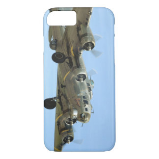 B17 'Sentimental' In Air._WWII Planes iPhone 8/7 Case
