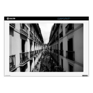"B&W Alley in Italy Decals For 17"" Laptops"