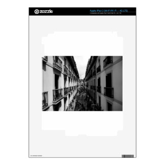 B&W Alley in Italy Skin For iPad 3