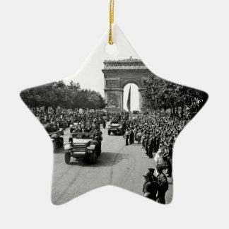 B&W Arc De Triomphe 2 Ceramic Ornament