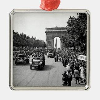 B&W Arc De Triomphe 2 Metal Ornament