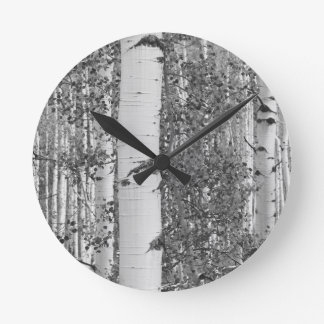 B&W Aspen 9 Round Clock