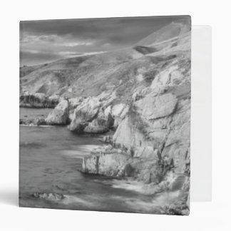 B&W beach coastline, California 3 Ring Binder