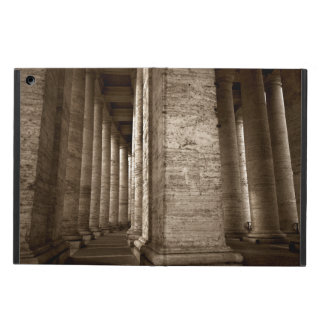 B&w estilizado de las columnas de Bernini en San P