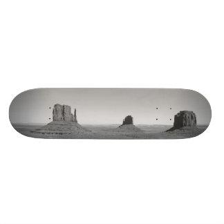 B&W Monument Valley 3 Skateboard Deck