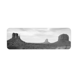 B&W Monument Valley 4 Label