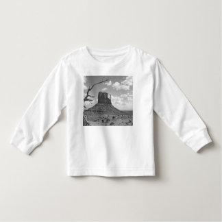 B&W Monument Valley in Arizona/Utah 4 T Shirt