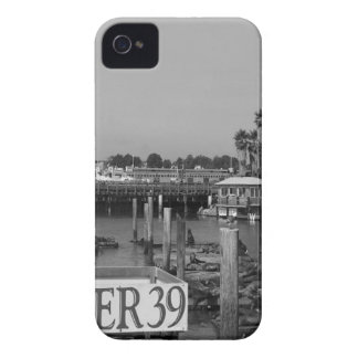 B&W Pier 39 Sea Lions iPhone 4 Cover