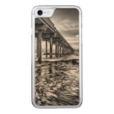 USA Themed B&W pier at dawn, California Carved iPhone 7 Case