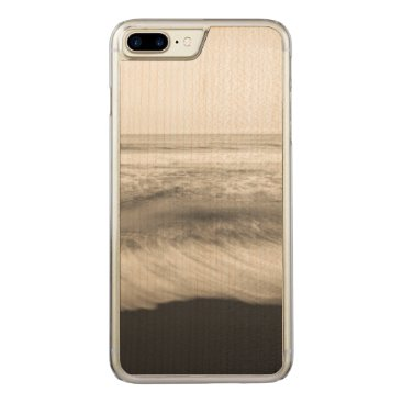 USA Themed B&W seascape, Hawaii Carved iPhone 7 Plus Case