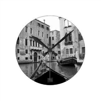 B&W Venice 3 Round Clock