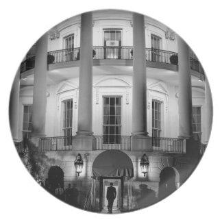 B&W White House 2 Dinner Plate