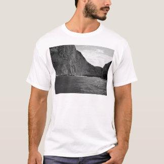 B&W Zakynthos Island 4 T-Shirt