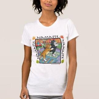B y camiseta de T #29 Namaste Playera