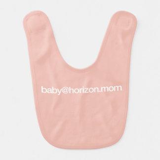 """babero del bebé de """"baby@horizon.mom"""""""