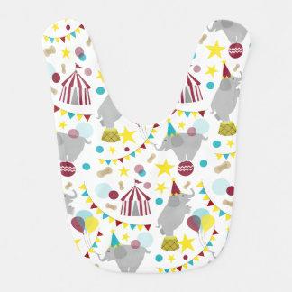 Babero del bebé de los elefantes del circo