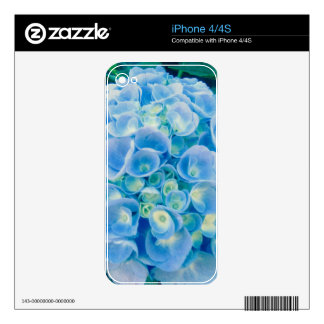Baby blue hydrangea bloom skins for the iPhone 4S