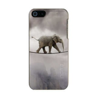 Baby elephant walks tightrope across big gorge. metallic iPhone SE/5/5s case