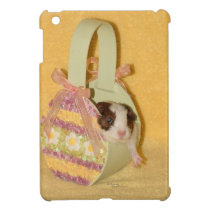 Baby Guinea Pig in Basket iPad Mini Case