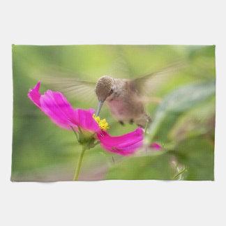 Baby Hummingbird Daisy Kitchen Towel