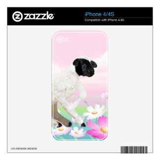 Baby Lambs first steps Skins For iPhone 4