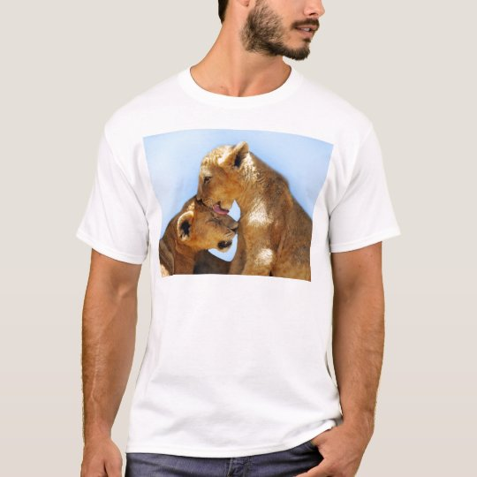 Baby lions love T-Shirt