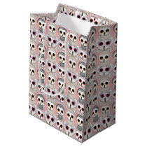 Baby Owls On Pale Pink Background Pattern Medium Gift Bag