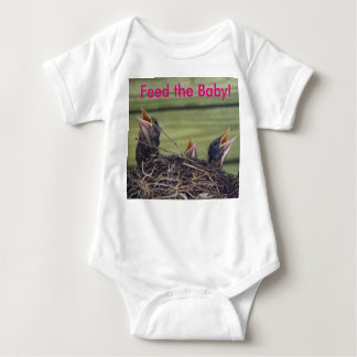 Baby Robins in Nest Feed the Baby Tee Shirts