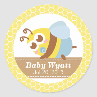 Baby Shower: Cute baby Bee with honeycomb pattern Classic Round Sticker