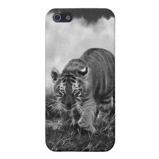 Baby Tiger stalking in Black and white Cover For iPhone SE/5/5s