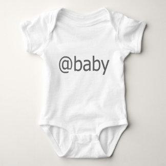 @ babygrow infantil de la enredadera del bebé playera