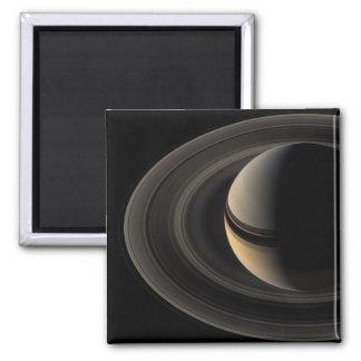 Backlit_Saturn_from_Cassini_Orbiter_2007_May_9 Magnet