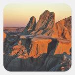 Badlands en el parque nacional de Theodore Calcomanía Cuadrada