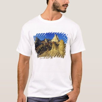 Badlands formations at Dinosaur Provincial Park 2 T-Shirt