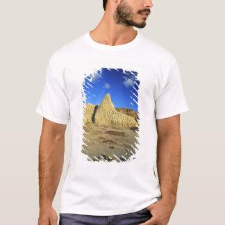 Badlands formations at Dinosaur Provincial Park 7 T-Shirt