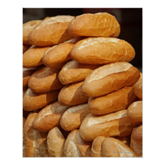 Baguette, pan, para la venta en calle del vendedor poster